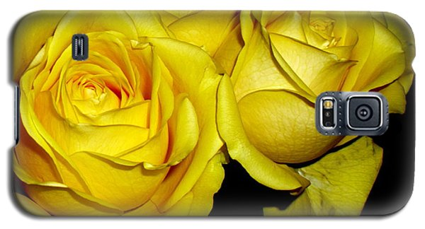 Galaxy S5 Case featuring the photograph Yellow Roses by Fred Wilson