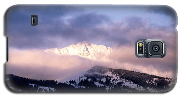 Galaxy S5 Case featuring the photograph Yellowstone Morning by Sharon Elliott