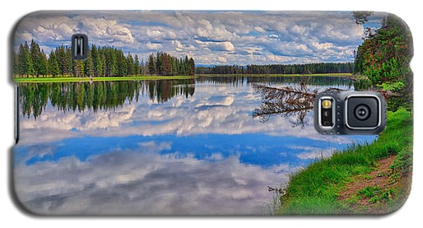 Yellowstone River Reflections Galaxy S5 Case