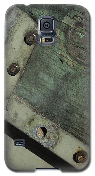 Galaxy S5 Case featuring the photograph Yesterday's Seafoam by Rebecca Sherman