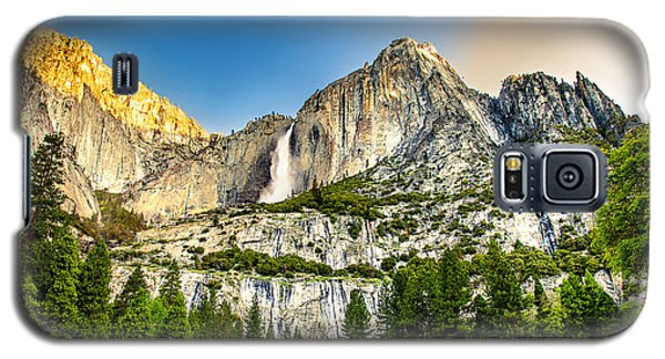 Yosemite National Park Galaxy S5 Case - Yosemite Falls  by Az Jackson