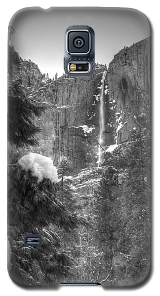 Yosemite Falls In Winter Galaxy S5 Case