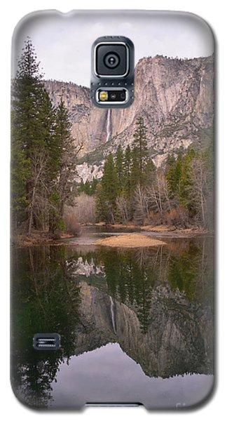 Yosemite Falls Reflection Galaxy S5 Case
