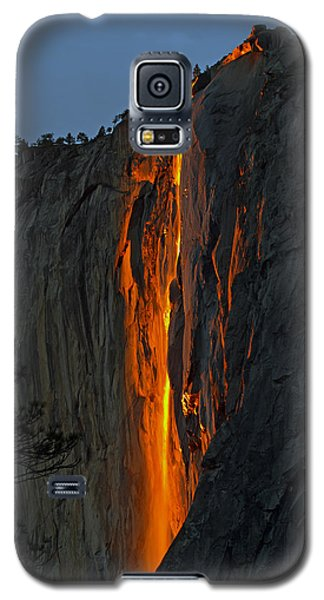 Galaxy S5 Case featuring the photograph Yosemite Horsetail Falls by Duncan Selby