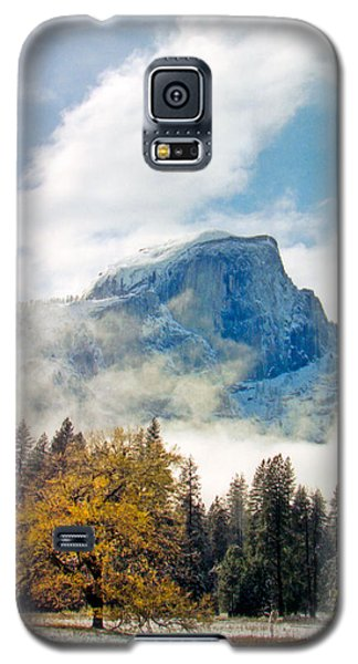 Yosemite Valley  Light Snow Galaxy S5 Case