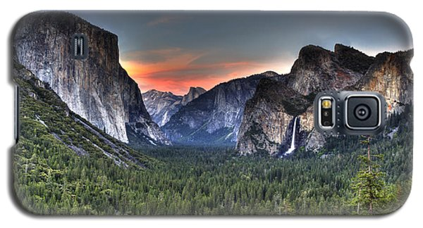 Yosemite Valley View Sunset Galaxy S5 Case by Shawn Everhart