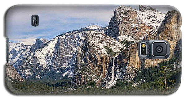 Yosemite Valley With Snow Galaxy S5 Case by Gregory Scott