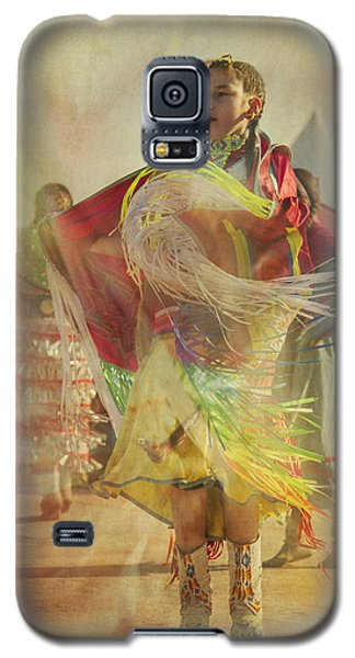 Young Canadian Aboriginal Dancer Galaxy S5 Case