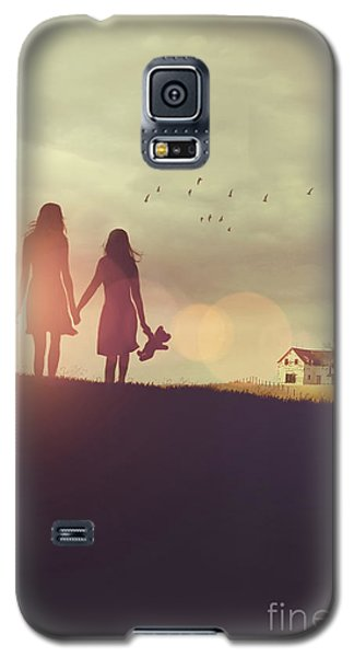 Young Girls In Silhouette Walking In Grass Towards Farm Galaxy S5 Case