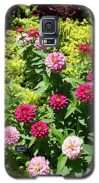 Galaxy S5 Case featuring the photograph Zinnia Garden by Ellen Tully