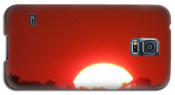 Galaxy S5 Case featuring the photograph  A Very Red Summer Sunset by Tina M Wenger