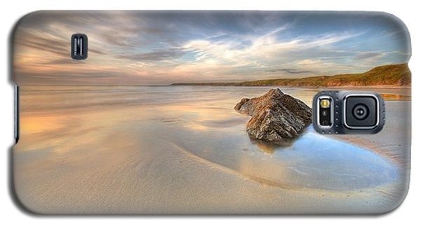 Galaxy S5 Case featuring the photograph  Dusk On The Beach by Beverly Cash