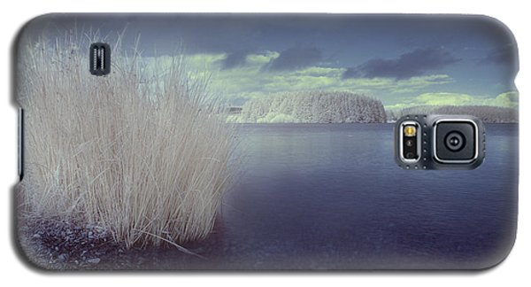 Galaxy S5 Case featuring the photograph  Infrared At Llyn Brenig by Beverly Cash