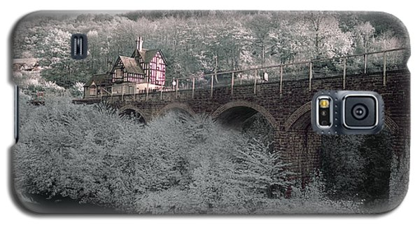 Infrared Train Station Bridge Galaxy S5 Case