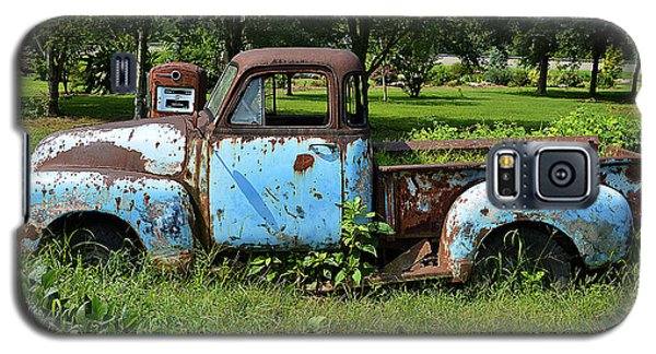 Galaxy S5 Case featuring the photograph '48 Chevy by Paul Mashburn