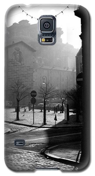 Galaxy S5 Case featuring the photograph A Square In Old Brussels by Peter Mooyman