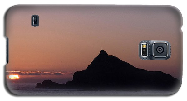 Galaxy S5 Case featuring the photograph Castle Rock Sunset by Betty Depee