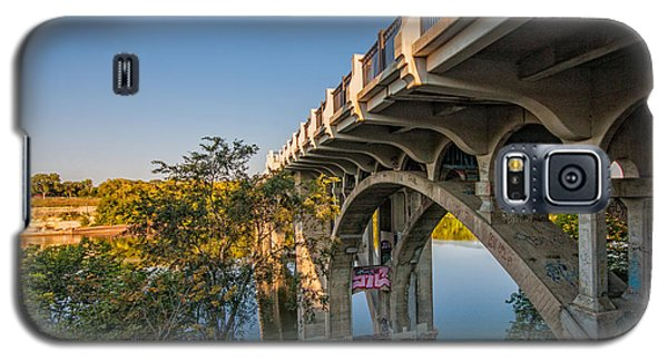 Galaxy S5 Case featuring the photograph Ford Parkway Bridge by Tom Gort