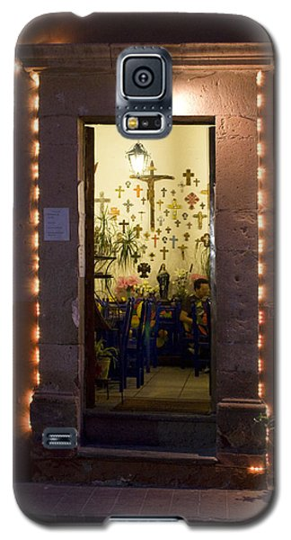 Galaxy S5 Case featuring the photograph Las Cruces by Lynn Palmer