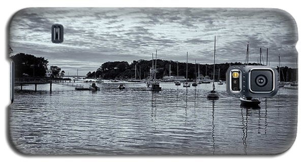 Galaxy S5 Case featuring the photograph Manchester Cove by Tom Singleton