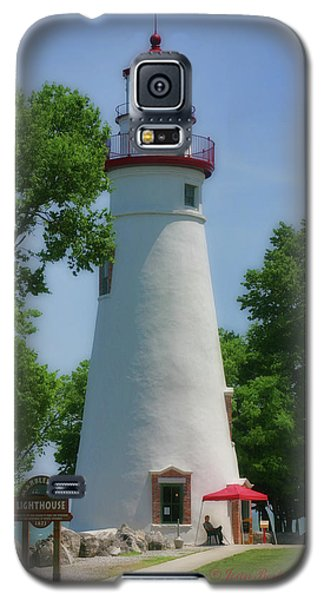 Galaxy S5 Case featuring the photograph Marble Head Lighthouse by Joan Bertucci