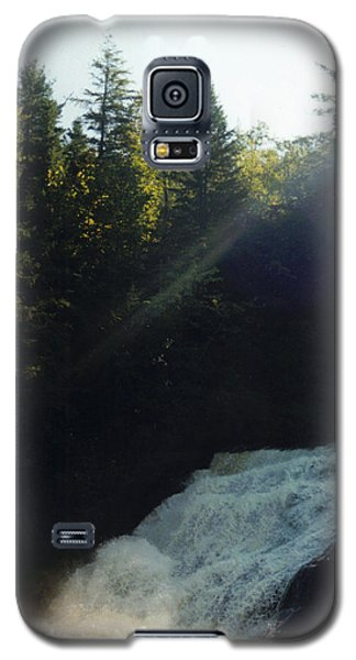 Galaxy S5 Case featuring the photograph Morning Waterfall by Stacy C Bottoms