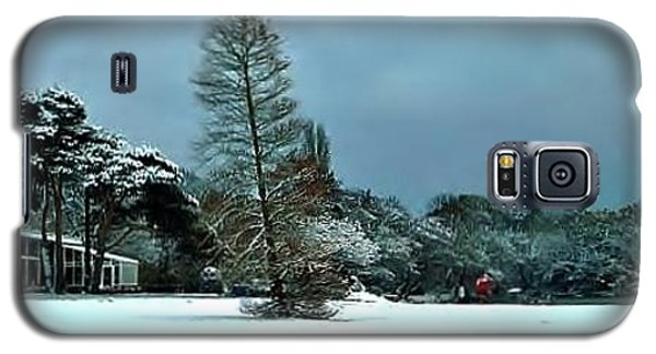 Galaxy S5 Case featuring the photograph Snow In Poole Park by Katy Mei