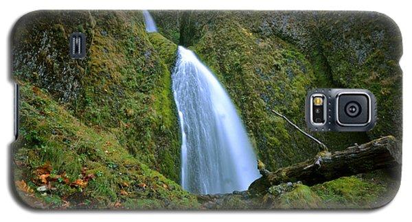 Galaxy S5 Case featuring the photograph Wahkeena Falls 02 by Matt Hanson
