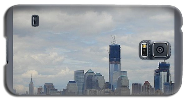 Galaxy S5 Case featuring the photograph 1 Wtc Under Construction by Patricia Overmoyer
