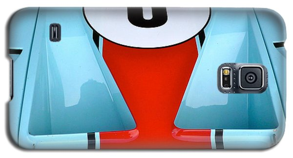 Galaxy S5 Case featuring the photograph 1965 Ford Gt40 Hood Detail by John Colley