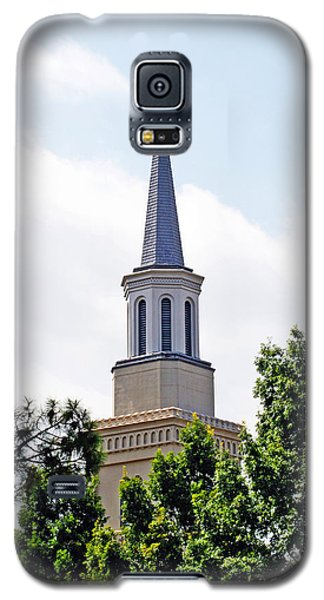 Galaxy S5 Case featuring the photograph 1st Presbyterian Steeple by Kay Lovingood