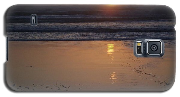 Galaxy S5 Case featuring the photograph Sunset At Surfside 3 by Peter Mooyman