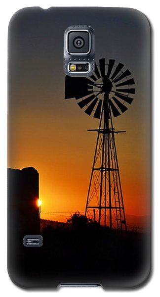 Galaxy S5 Case featuring the photograph Water Pump Windmill by Werner Lehmann