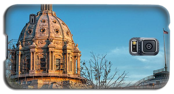 Galaxy S5 Case featuring the photograph A Capitol Evening by Tom Gort