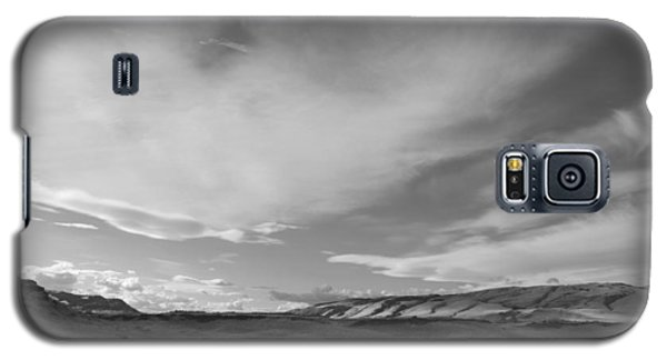Galaxy S5 Case featuring the photograph Across The Valley by Kathleen Grace