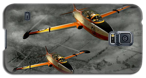 Galaxy S5 Case featuring the photograph Aermacchi In Flight by Steven Agius