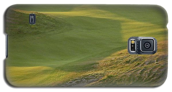 Galaxy S5 Case featuring the photograph Almost Done - Chambers Bay Golf Course by Chris Anderson
