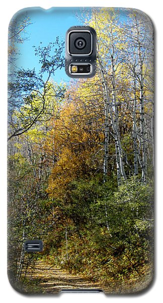 Galaxy S5 Case featuring the photograph Along The Back Road by Vicki Pelham