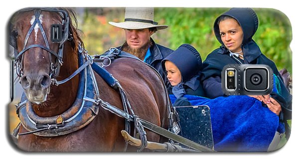 Galaxy S5 Case featuring the photograph Amish Family by Brian Stevens
