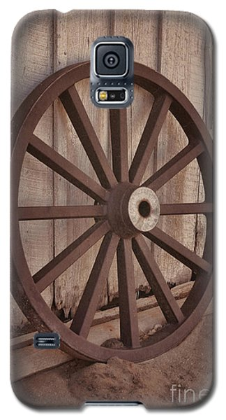 An Old Wagon Wheel Galaxy S5 Case
