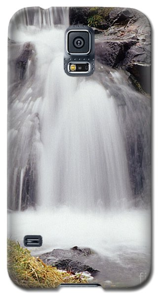 Galaxy S5 Case featuring the photograph Angel Hair by Sharon Elliott