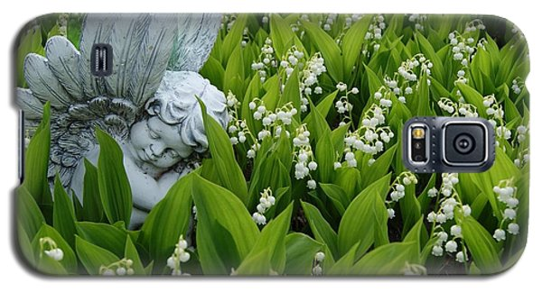 Galaxy S5 Case featuring the photograph Angel In The Lilies by Steven Clipperton