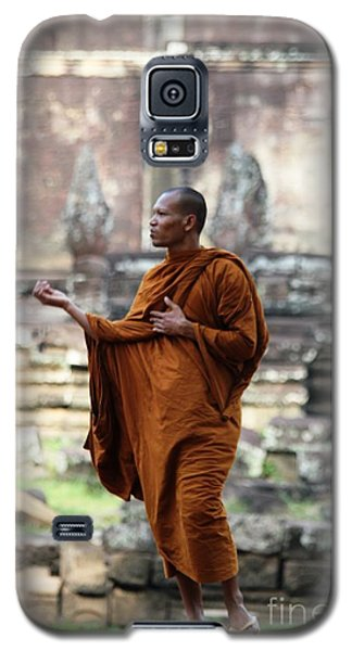 Galaxy S5 Case featuring the photograph Angkor Wat Monk by Nola Lee Kelsey