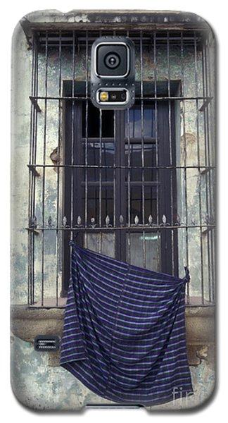 Galaxy S5 Case featuring the photograph Antigua Window Guatemala by John  Mitchell