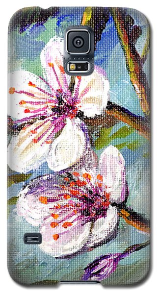 Galaxy S5 Case featuring the painting Apple Blossoms by Lou Ann Bagnall