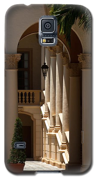 Galaxy S5 Case featuring the photograph Arches And Columns At The Biltmore Hotel by Ed Gleichman