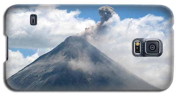 Galaxy S5 Case featuring the photograph Arenal Eruption by Eric Tressler