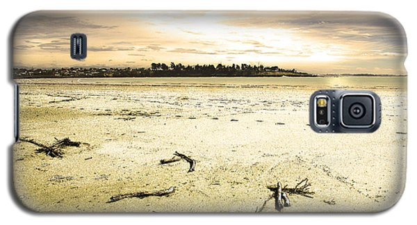 Galaxy S5 Case featuring the photograph At Caroline Bay Timaru New Zealand by Nareeta Martin