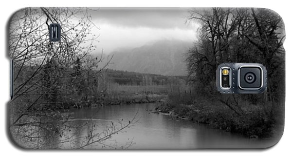 At The River Turn Bw Galaxy S5 Case