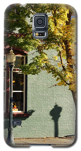 Galaxy S5 Case featuring the photograph Autumn Detail In Old Town Grants Pass by Mick Anderson